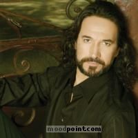 Marco Antonio Solis Author